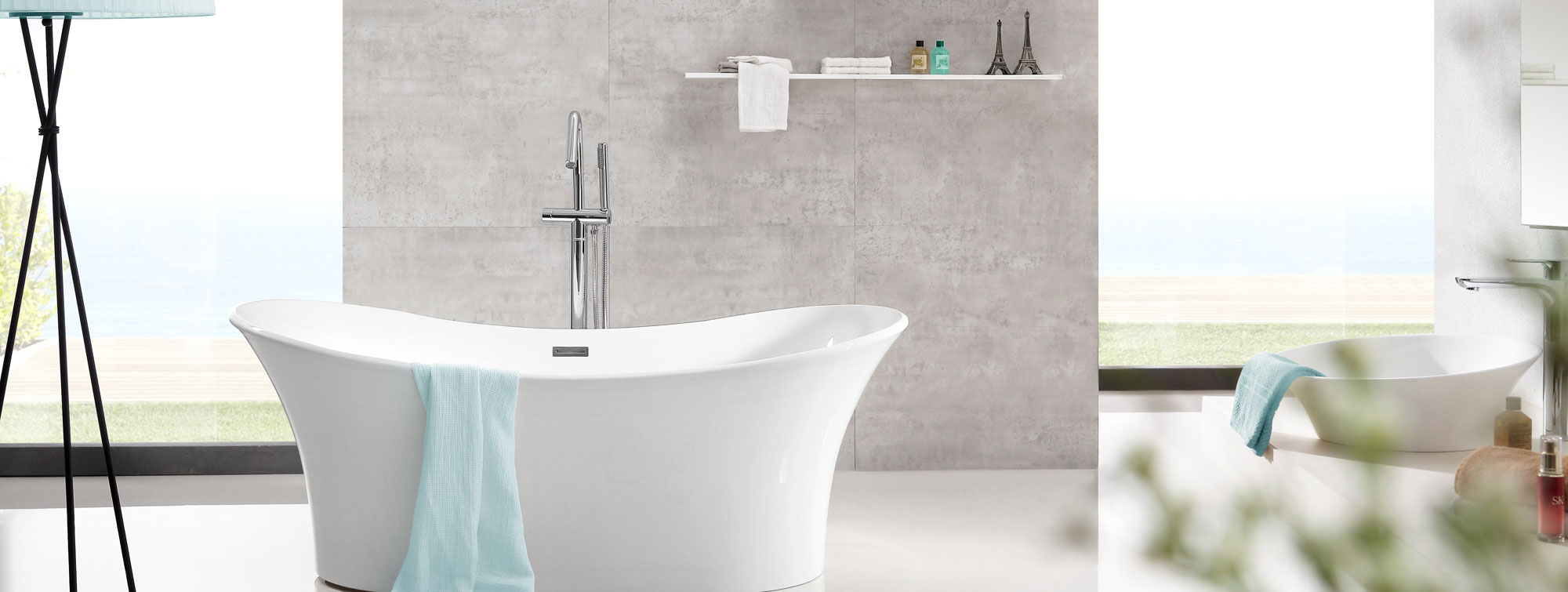 LOOKBath Voyeur Tub
